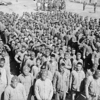 THE CHINESE LABOUR CORPS ON THE WESTERN FRONT, 1916-1918 (Q 2695) A parade of Chinese labourers at Boulogne, 12th August 1917. Copyright: © IWM. Original Source: http://www.iwm.org.uk/collections/item/object/205079348
